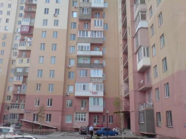 Продается 2-комнатная квартира на ул. Грушевского Михаила — 29 000 у.е.