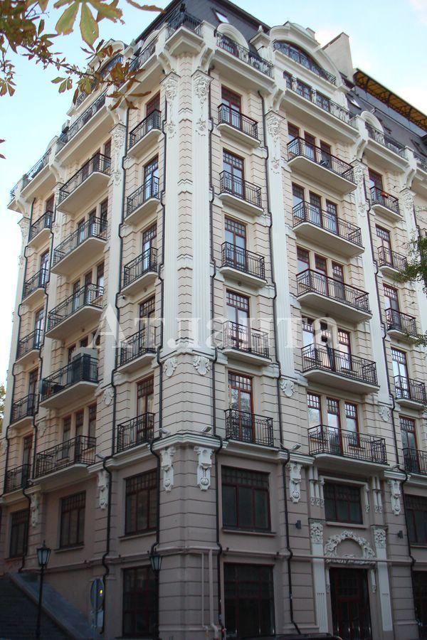 Продается 3-комнатная квартира в новострое на ул. Чайковского Пер. — 700 000 у.е.