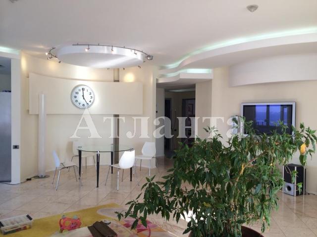 Продается 4-комнатная квартира на ул. Дунаева Пер. — 400 000 у.е.