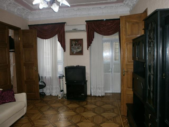 Продается 4-комнатная квартира на ул. Еврейская — 94 000 у.е.