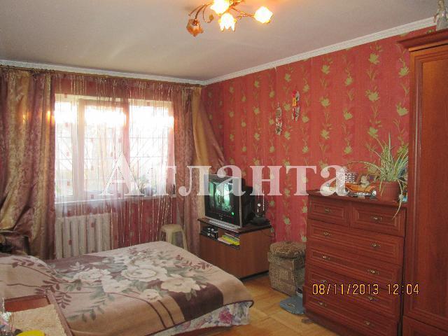 Продается 3-комнатная квартира на ул. Петрова Ген. — 43 000 у.е.