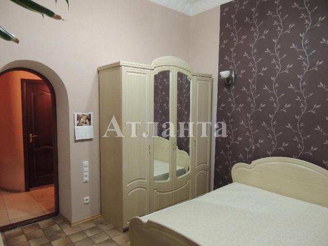 Продается 3-комнатная квартира на ул. Дерибасовская — 140 000 у.е.