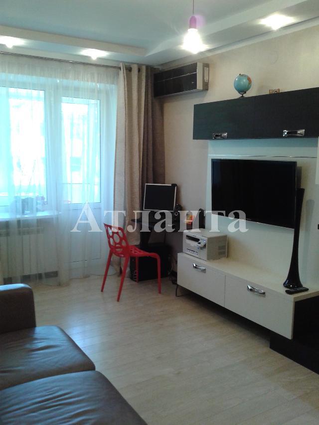 Продается 3-комнатная квартира на ул. Сегедская — 73 000 у.е.