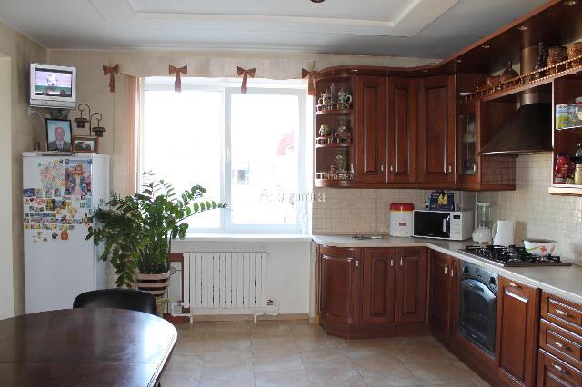 Продается 3-комнатная квартира на ул. Новосельского — 150 000 у.е.