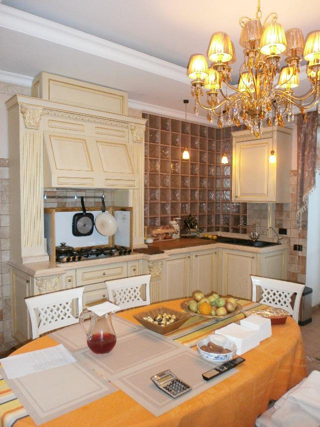 Продается 5-комнатная квартира на ул. Успенская — 550 000 у.е.