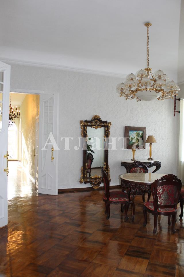 Продается 8-комнатная квартира на ул. Гаванная — 750 000 у.е.