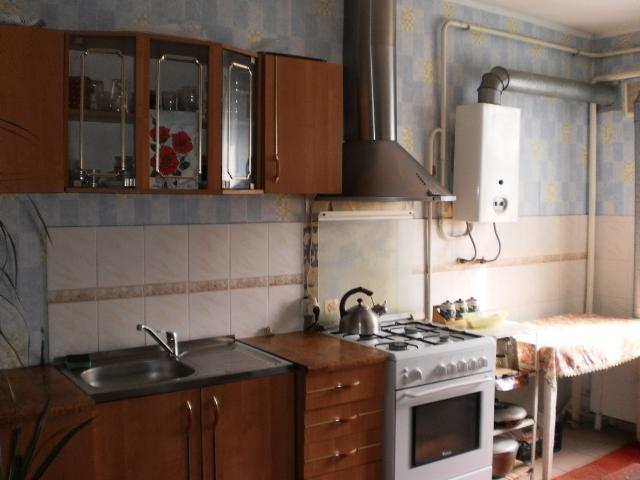 Продается 4-комнатная квартира на ул. Шмидта Лейт. — 45 000 у.е.