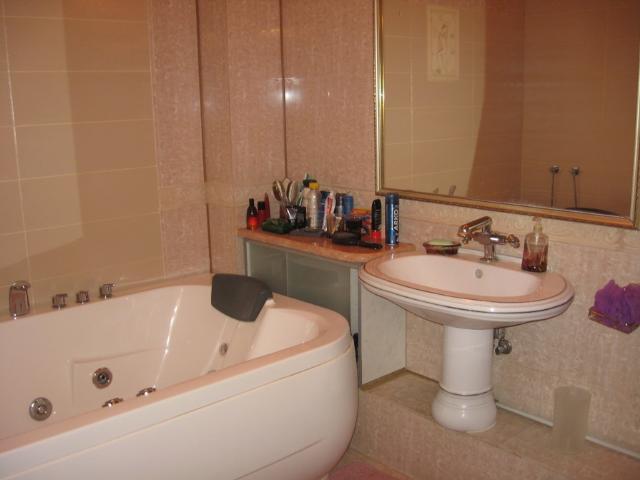 Продается 4-комнатная квартира на ул. Гайдара Бул. — 300 000 у.е. (фото №12)