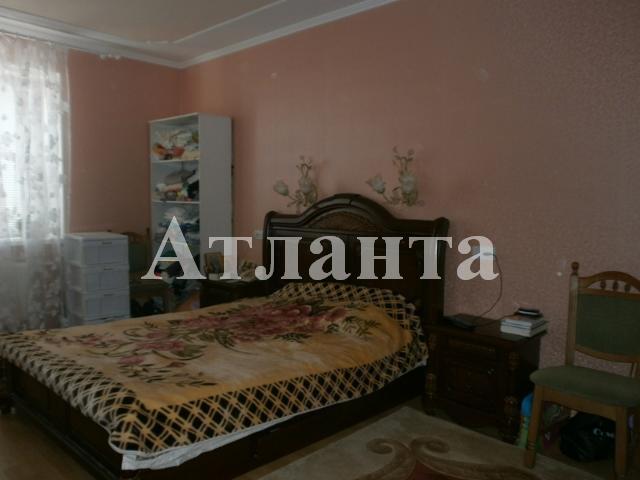 Продается 2-комнатная квартира в Ильичевске - 100000 у.е.