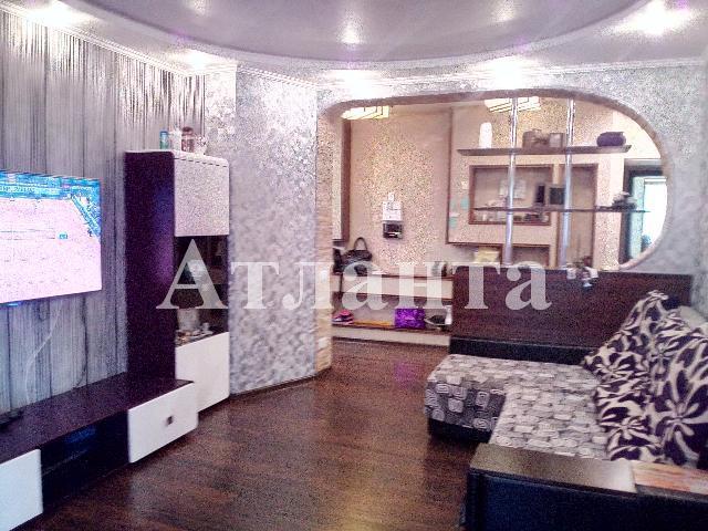 Продается 2-комнатная квартира на ул. Героев Сталинграда — 95 000 у.е.