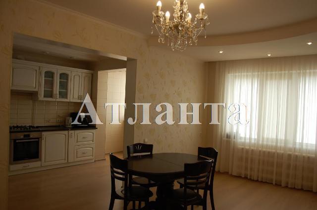 Продается 4-комнатная квартира на ул. Днепропетр. Дор. — 57 000 у.е.