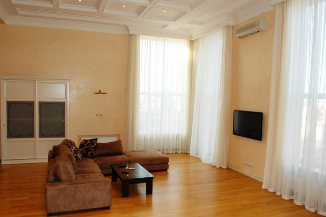 Сдается 4-комнатная квартира на ул. Мукачевский Пер. — 1 300 у.е./мес. (фото №3)