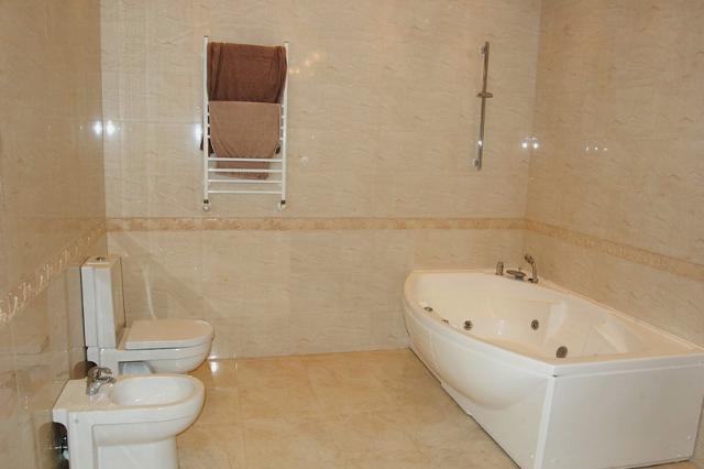 Сдается 4-комнатная квартира на ул. Мукачевский Пер. — 1 500 у.е./мес. (фото №9)
