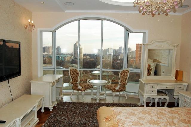 Сдается 3-комнатная квартира на ул. Маршала Говорова — 1 000 у.е./мес.