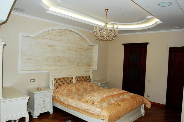 Сдается 3-комнатная квартира на ул. Маршала Говорова — 1 000 у.е./мес. (фото №2)