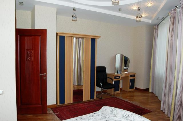 Сдается 3-комнатная квартира на ул. Маршала Говорова — 1 000 у.е./мес. (фото №6)