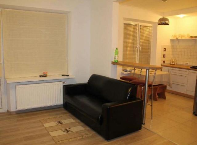 Сдается 1-комнатная квартира на ул. Ильфа И Петрова — 20 у.е./сут.