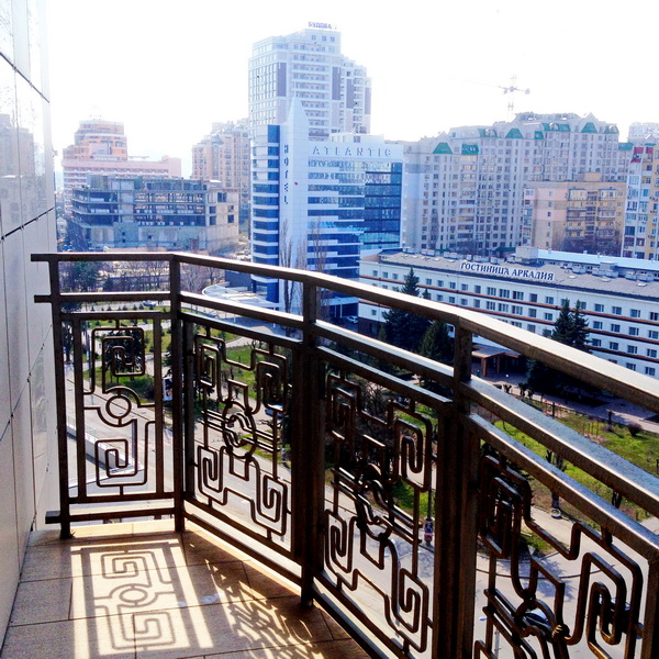 Сдается 3-комнатная квартира на ул. Генуэзская — 1 500 у.е./мес. (фото №11)