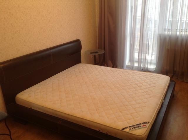Сдается 3-комнатная квартира на ул. Книжный Пер. — 500 у.е./мес. (фото №2)