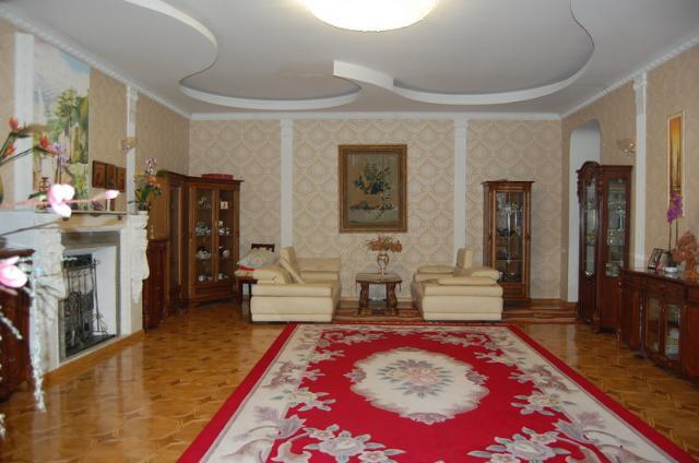 Сдается 3-комнатная квартира на ул. Канатная — 1 200 у.е./мес.