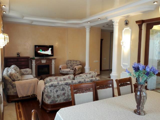 Сдается 4-комнатная квартира на ул. Проспект Шевченко — 1 800 у.е./мес. (фото №2)