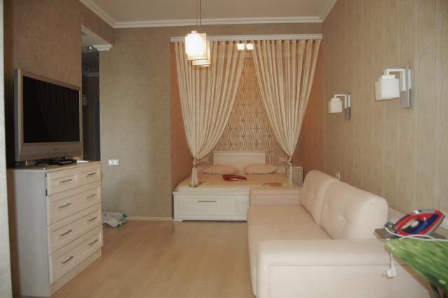 Сдается 1-комнатная квартира на ул. Малиновского Марш. — 400 у.е./мес.