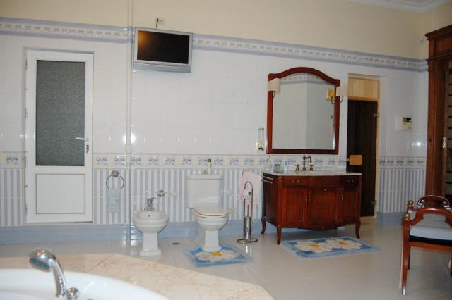 Сдается 5-комнатная квартира на ул. Дерибасовская — 2 500 у.е./мес. (фото №21)