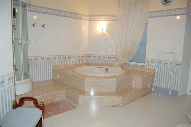 Сдается 5-комнатная квартира на ул. Дерибасовская — 2 500 у.е./мес. (фото №23)