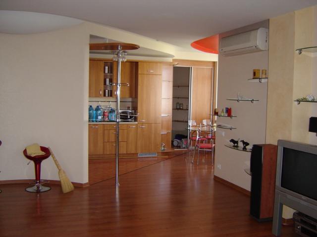 Сдается 2-комнатная квартира на ул. Проспект Шевченко — 600 у.е./мес.