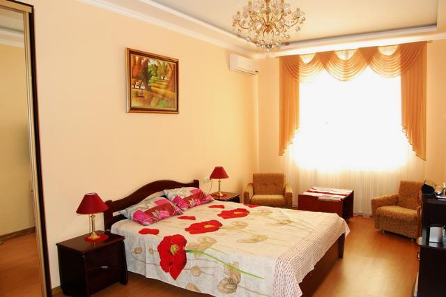 Сдается 1-комнатная квартира на ул. Аркадиевский Пер. — 409 у.е./мес.