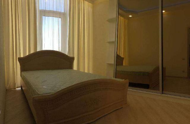 Сдается 2-комнатная квартира на ул. Гагаринское Плато — 500 у.е./мес.