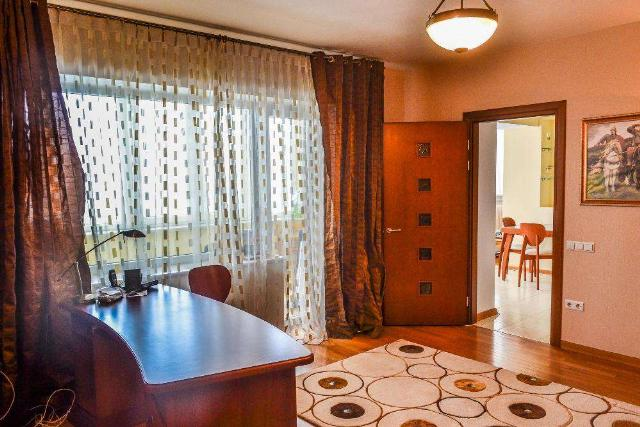 Сдается 3-комнатная квартира на ул. Маршала Говорова — 600 у.е./мес. (фото №4)