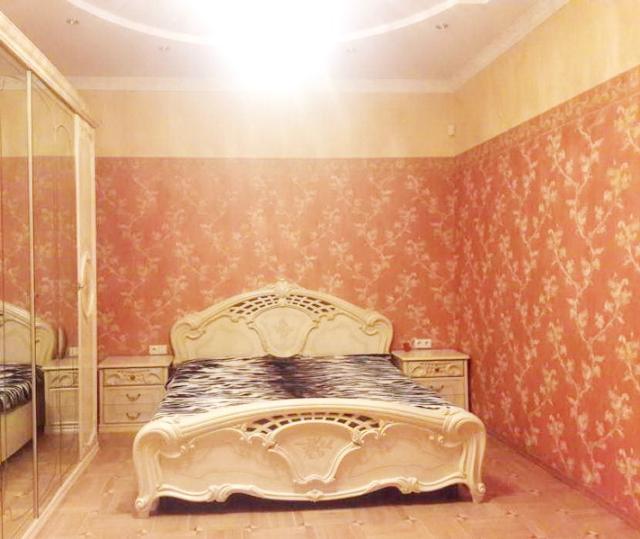 Сдается 3-комнатная квартира на ул. Каркашадзе Пер. — 900 у.е./мес.