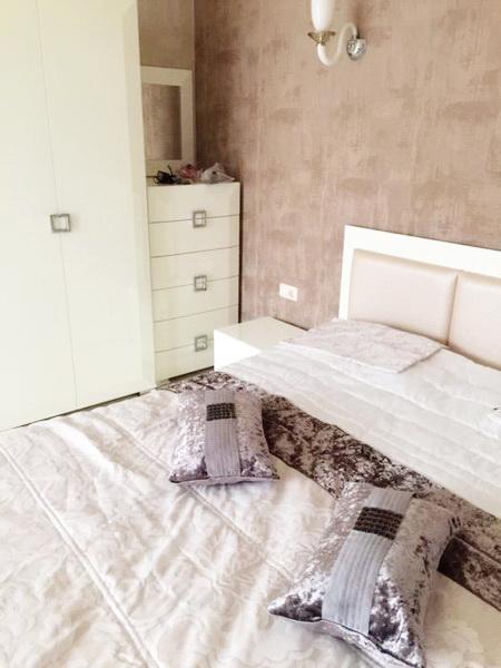 Сдается 2-комнатная квартира на ул. Французский Бул. — 700 у.е./мес.