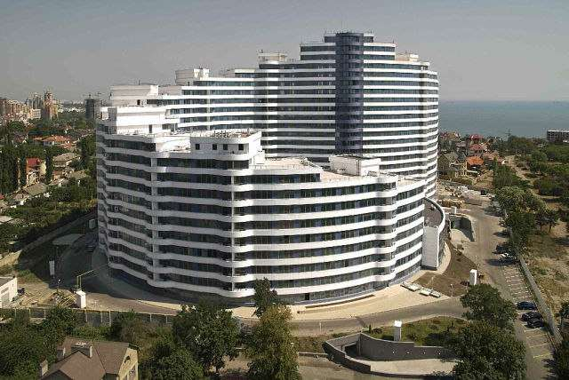 Сдается 3-комнатная квартира на ул. Литературная — 1 500 у.е./мес. (фото №2)