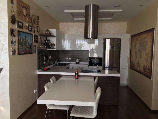 Сдается 3-комнатная квартира на ул. Литературная — 1 500 у.е./мес. (фото №4)