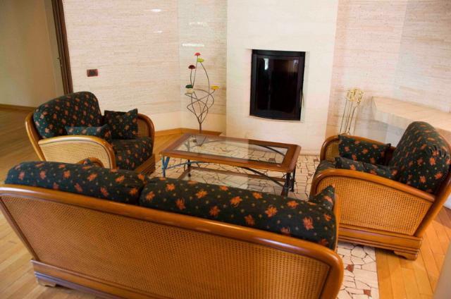 Сдается 5-комнатная квартира на ул. Екатерининская — 800 у.е./мес.