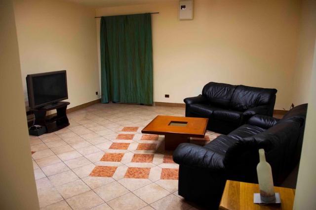 Сдается 5-комнатная квартира на ул. Екатерининская — 800 у.е./мес. (фото №2)