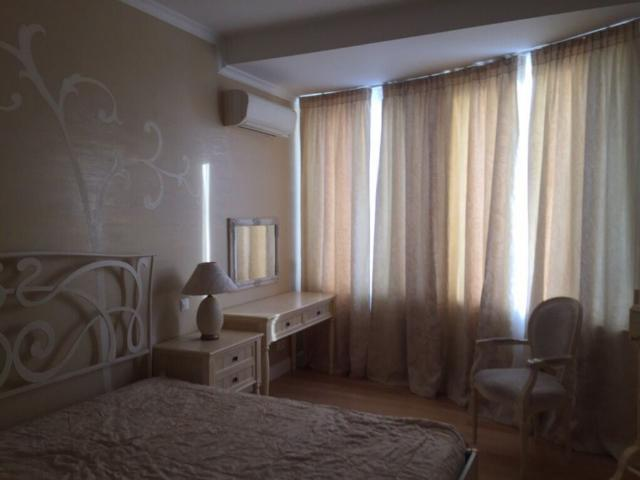 Сдается 3-комнатная квартира на ул. Тенистая — 1 000 у.е./мес.