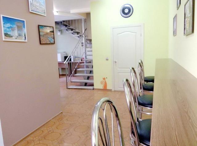 Сдается 3-комнатная квартира на ул. Александровский Пр. — 52 у.е./сут.