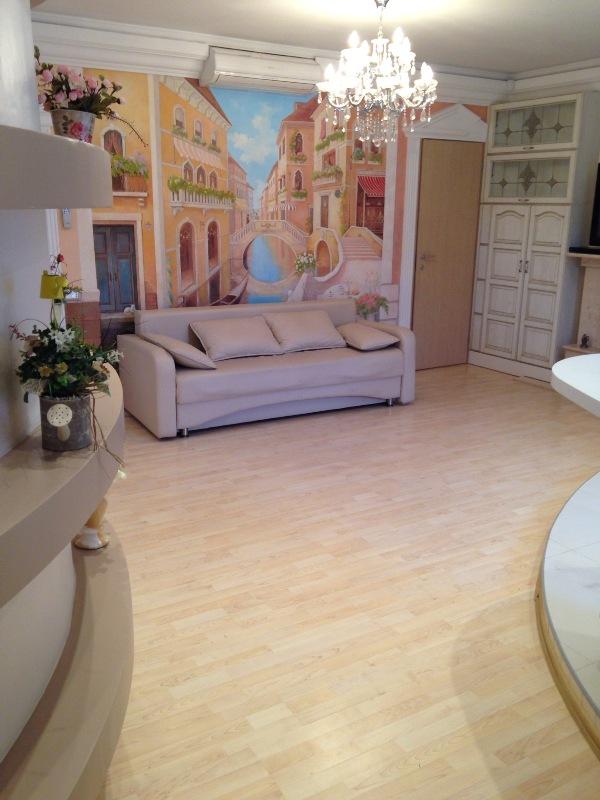 Сдается 2-комнатная квартира на ул. Базарная — 700 у.е./мес.