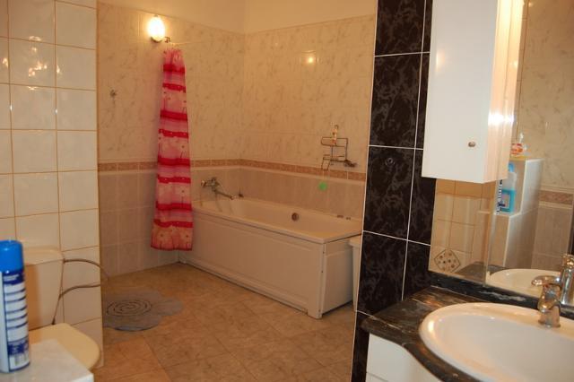 Сдается 2-комнатная квартира на ул. Азарова Вице Адм. — 700 у.е./мес. (фото №8)