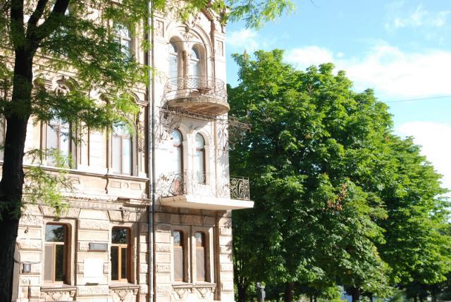 Сдается 3-комнатная квартира на ул. Торговая — 70 у.е./сут. (фото №2)