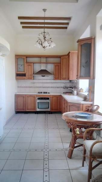 Сдается 3-комнатная квартира на ул. Артиллерийская — 500 у.е./мес.