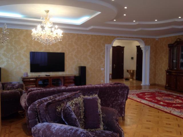 Сдается 4-комнатная квартира на ул. Проспект Шевченко — 2 000 у.е./мес.