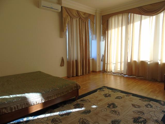 Сдается 3-комнатная квартира на ул. Литературная — 800 у.е./мес. (фото №9)