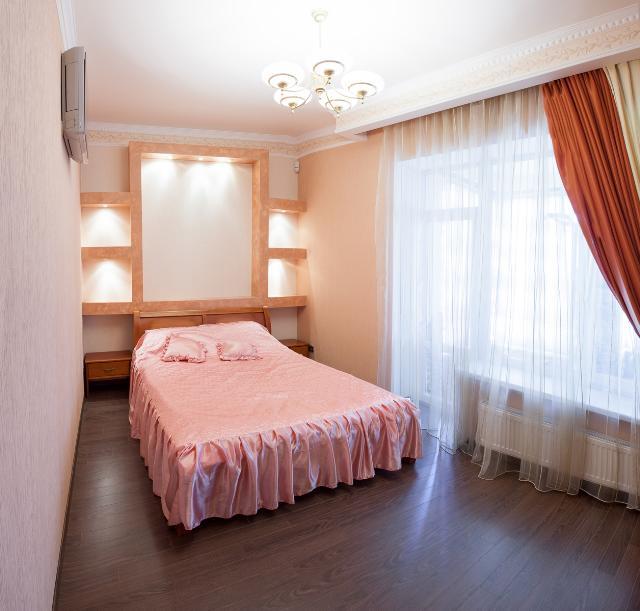 Сдается 5-комнатная квартира на ул. Успенская — 1 500 у.е./мес.