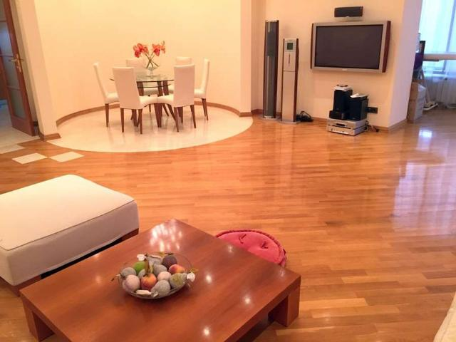 Сдается 4-комнатная квартира на ул. Дунаева Пер. — 2 200 у.е./мес. (фото №3)
