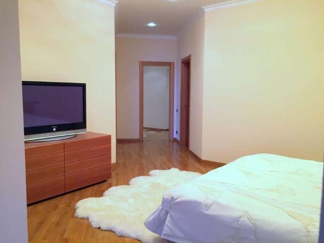 Сдается 4-комнатная квартира на ул. Дунаева Пер. — 2 200 у.е./мес. (фото №7)