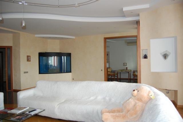 Сдается 4-комнатная квартира на ул. Довженко — 1 500 у.е./мес. (фото №2)